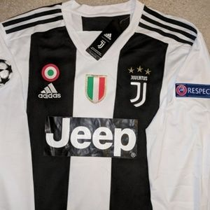 new product ab2d6 0f798 Ronaldo Juventus Long Sleeve Champions Patches NWT